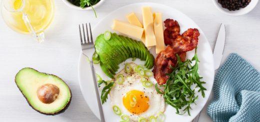 Czy dieta ketogeniczna dobrze wpływa na jelita?
